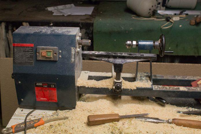 Détails du tour à bois